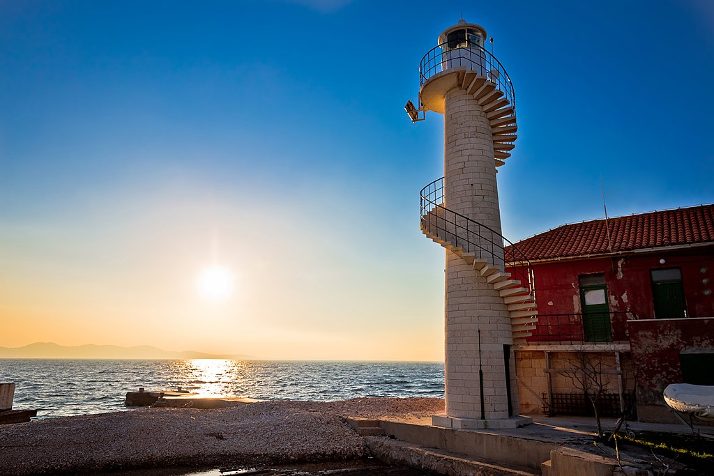 Oštri Rat lighthouse