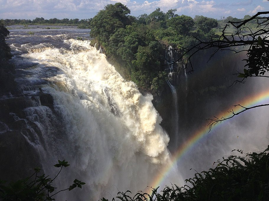 The powerful Victoria Falls