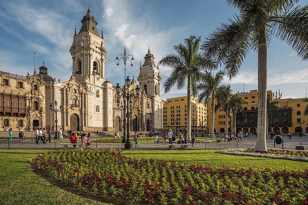 Lima Plaza