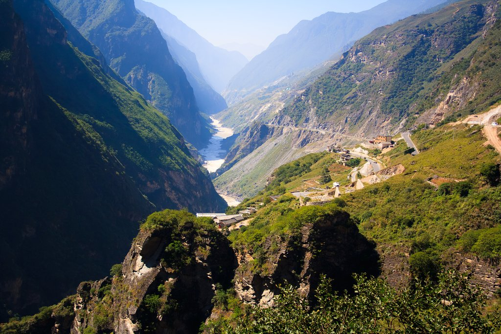 Scenes of Tiger Leaping Gorge