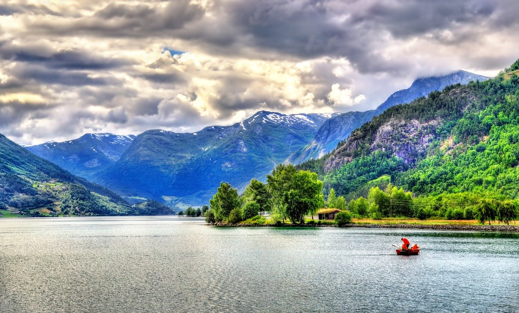 Hjelle's undeveloped scenery