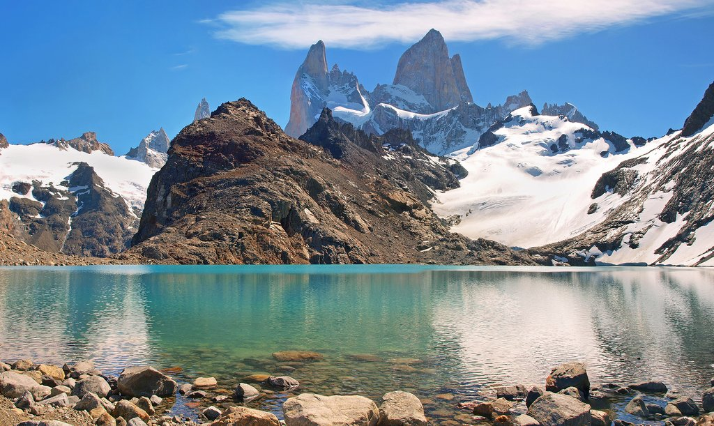Magnificent mountain views from Laguna de los Tres.