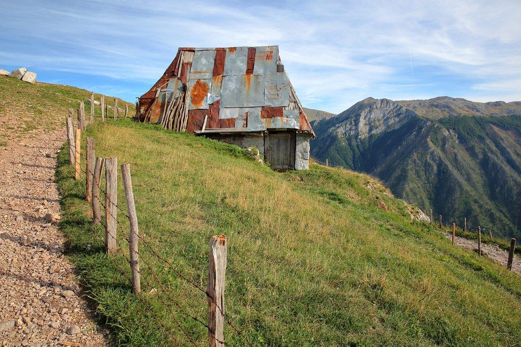 Traditional Bosnian house near Rakitnica Canyon
