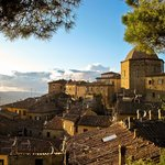 Medieval Tuscan architecture