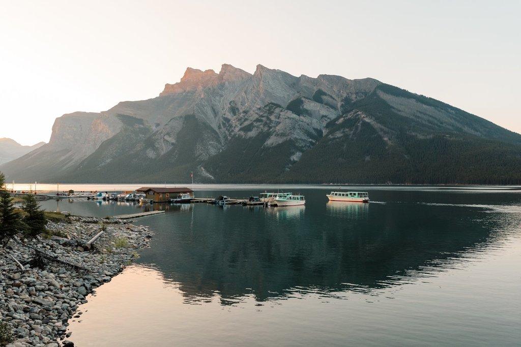 Boat cruise on Lake Minnewanka (Mike Seehagel)