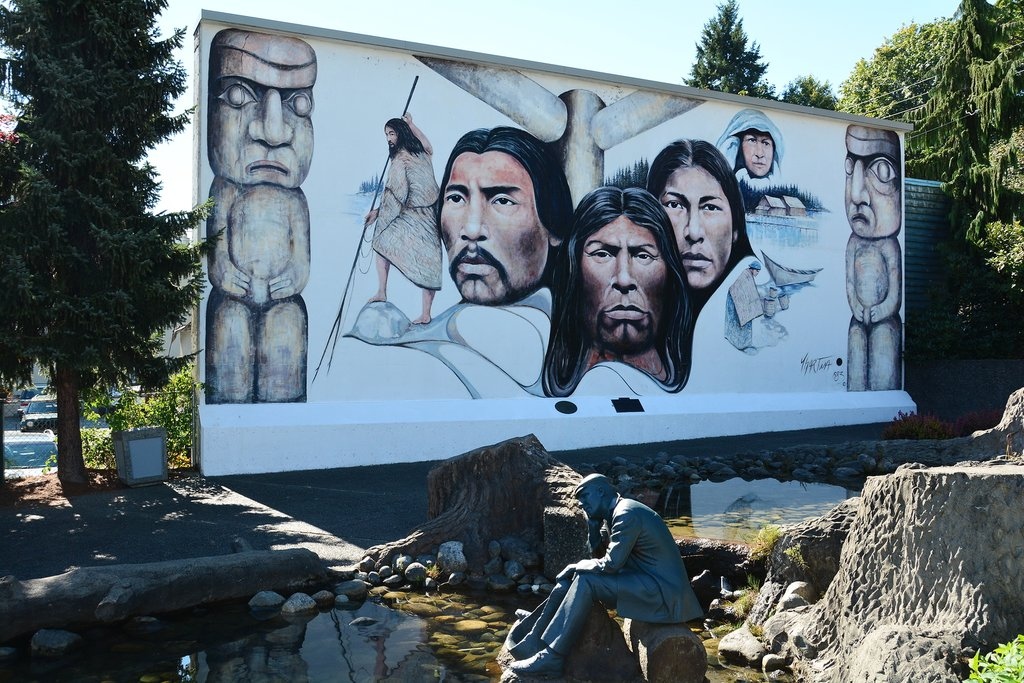 Native leaders, elders, and totems highlight this Chemainus mural