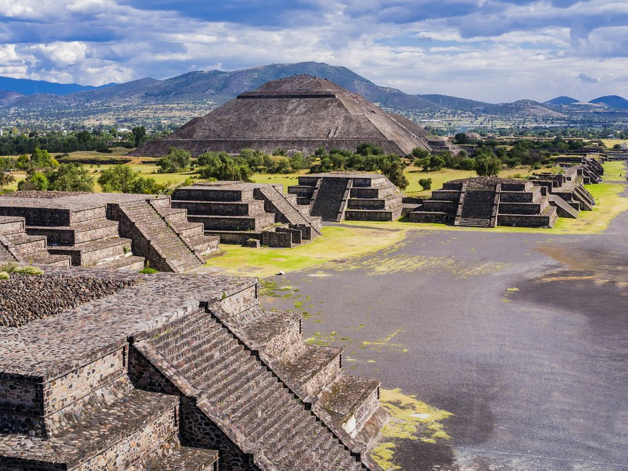 Teotihuacán Pyramids and the Avenue of the Dead, Mexico