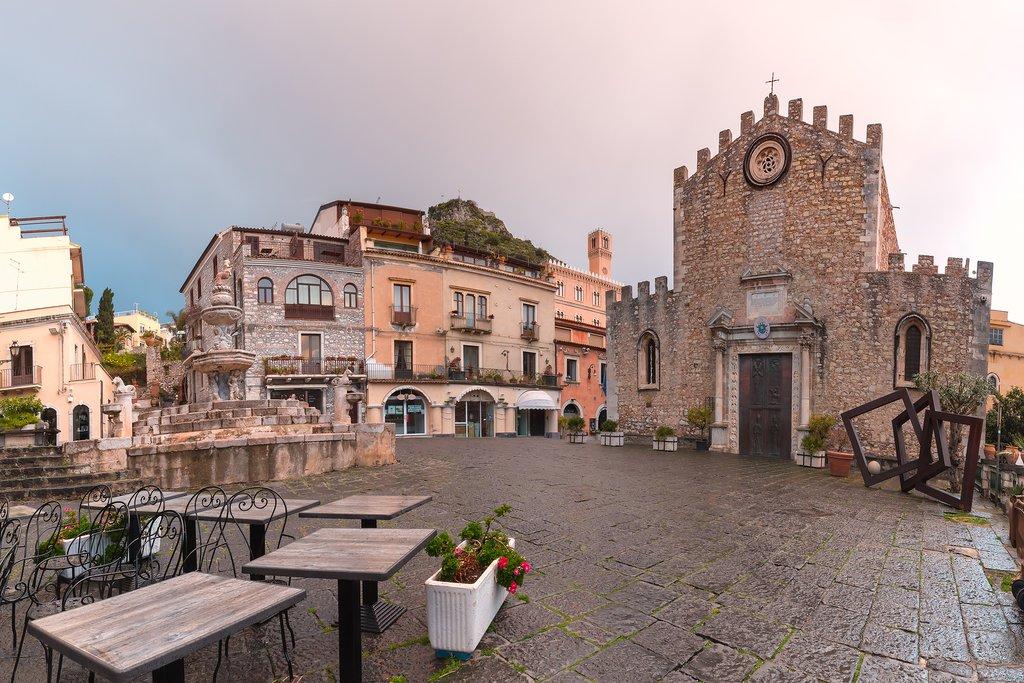 Piazza Duomo, Taormina, Sicily, Italy