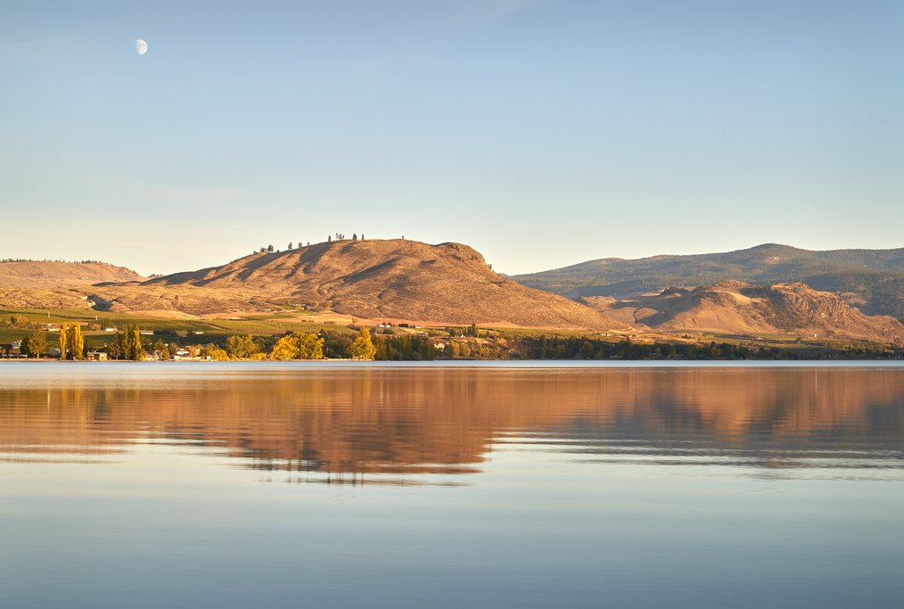 Osoyoos Lake at dawn