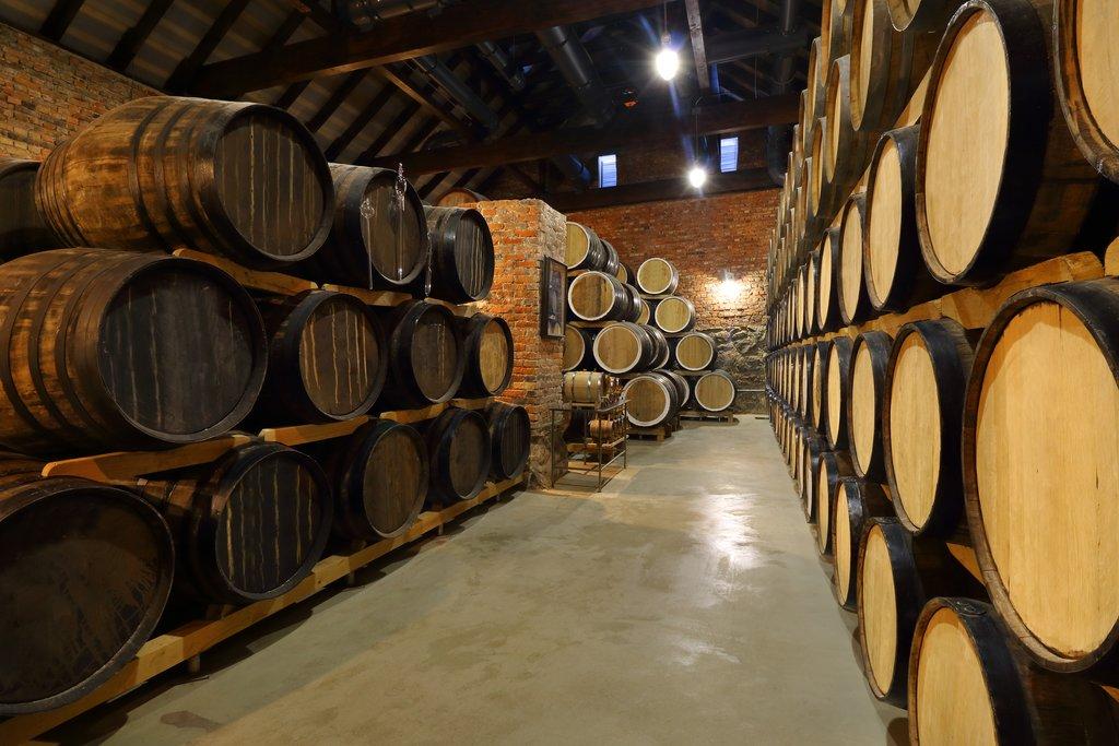 Barrels for holding distilled spirits