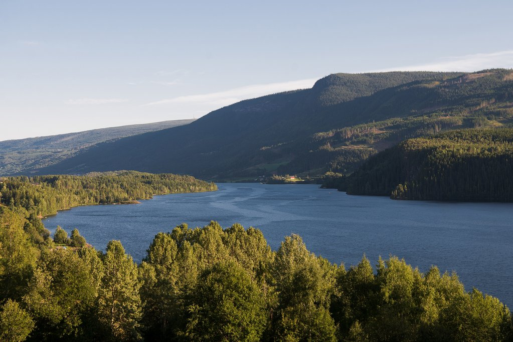 Pristine scenery near Sandalsnuten
