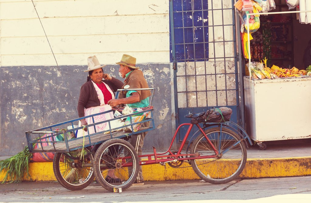 Street vendors in Huaraz