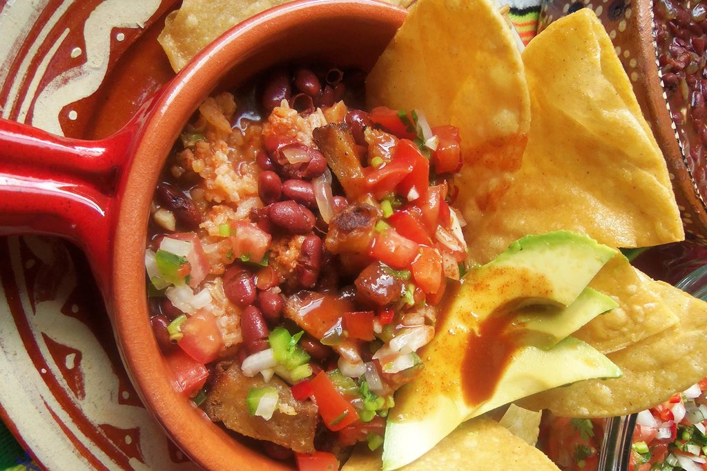 Costa Rican chifrijo (Photo courtesy of Hispanic Kitchen)