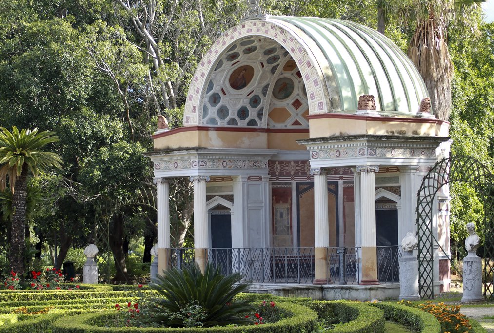 Excedra, Villa Giulia, Palermo, Sicily, Italy