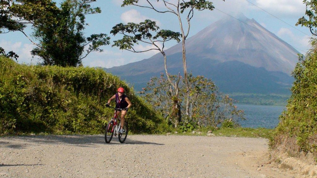 Mountain Bike in Arenal