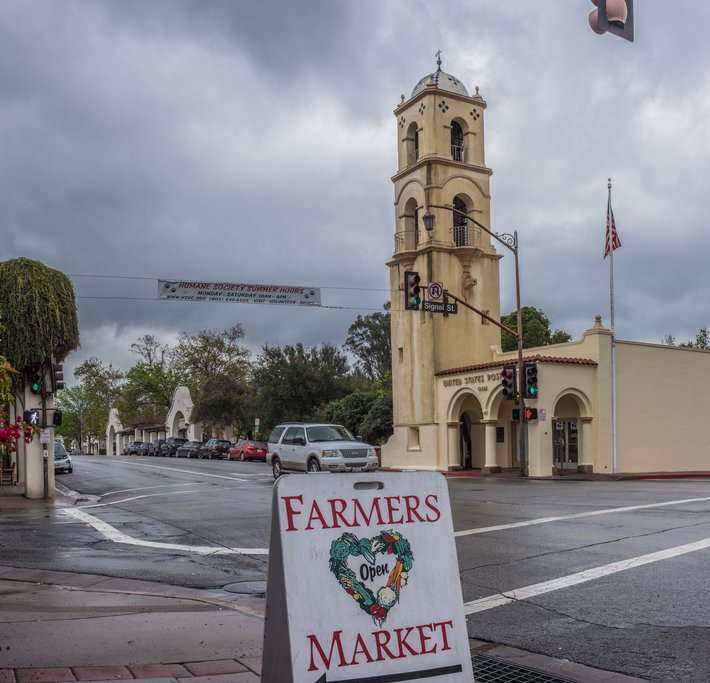 Cloudy day in downtown Ojai