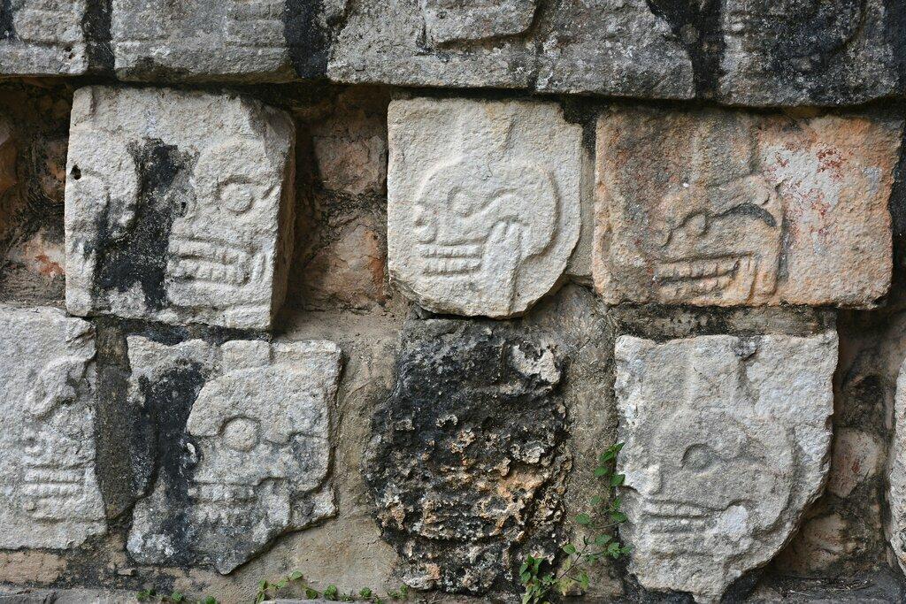 Chichen Itza Tzompantli — Wall of Skulls
