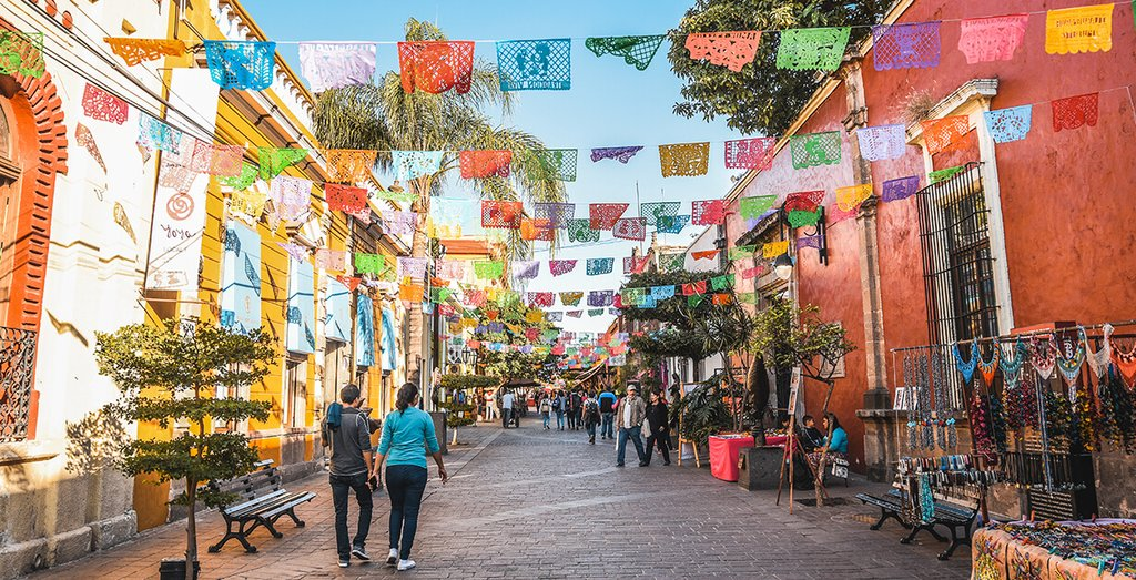 Roam in the animated streets of Guadalajara