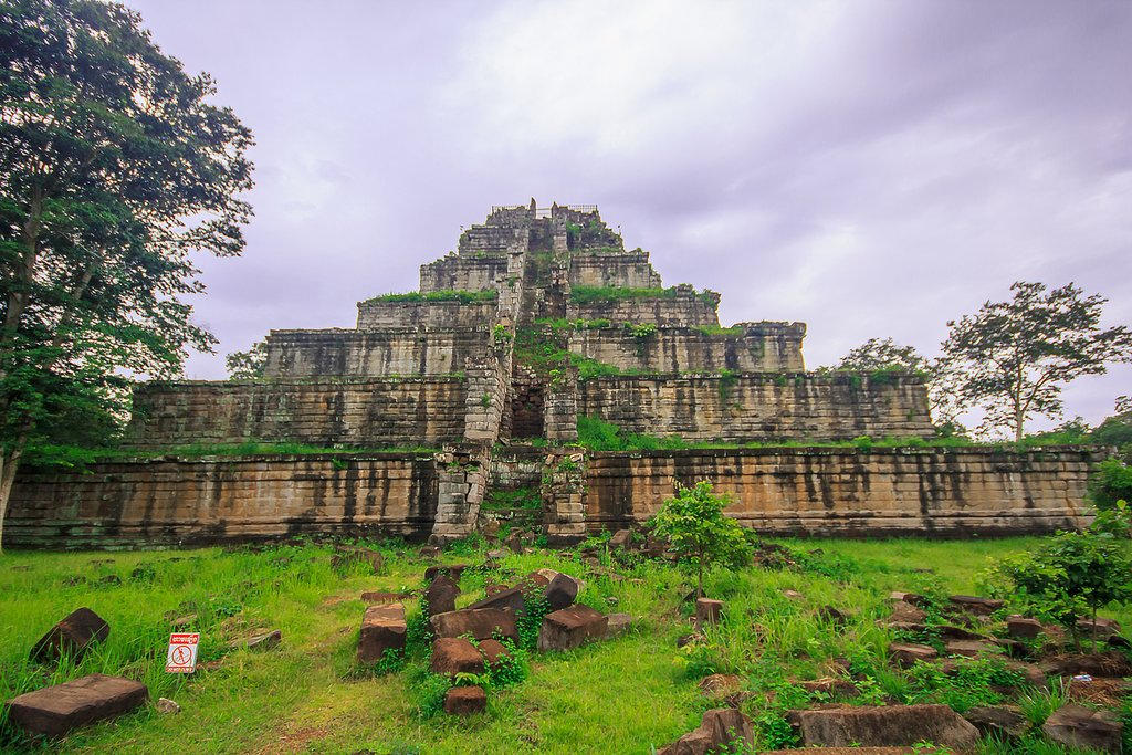 Prasat Thom in Koh Ker is unlike any other temples in Cambodia