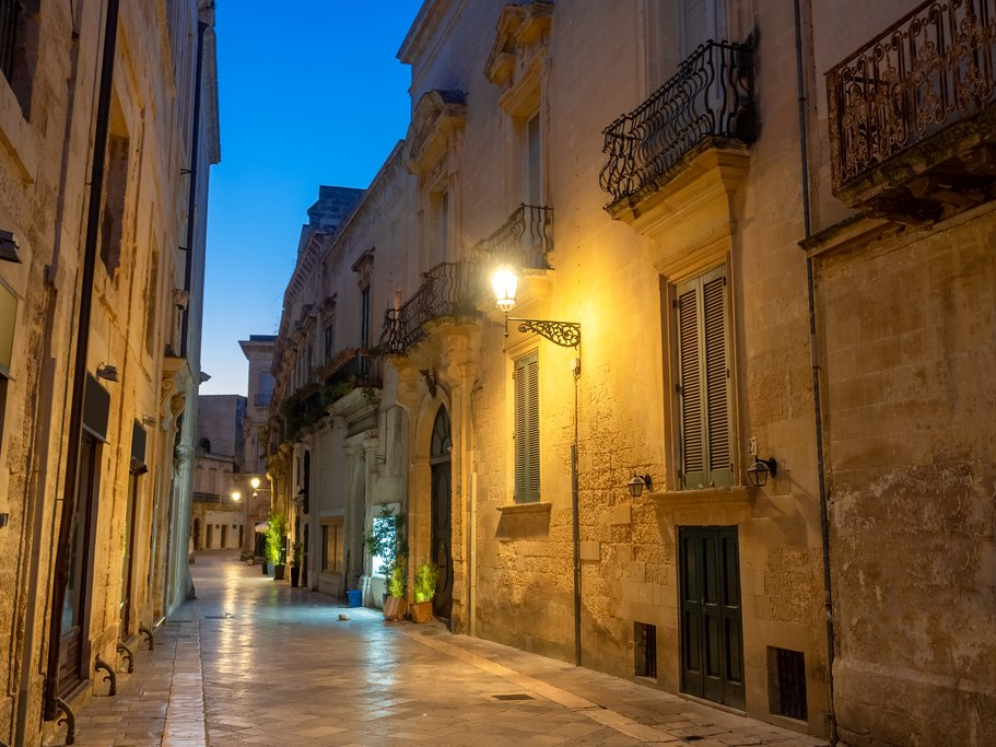 Dawn in the medieval Lecce alleys