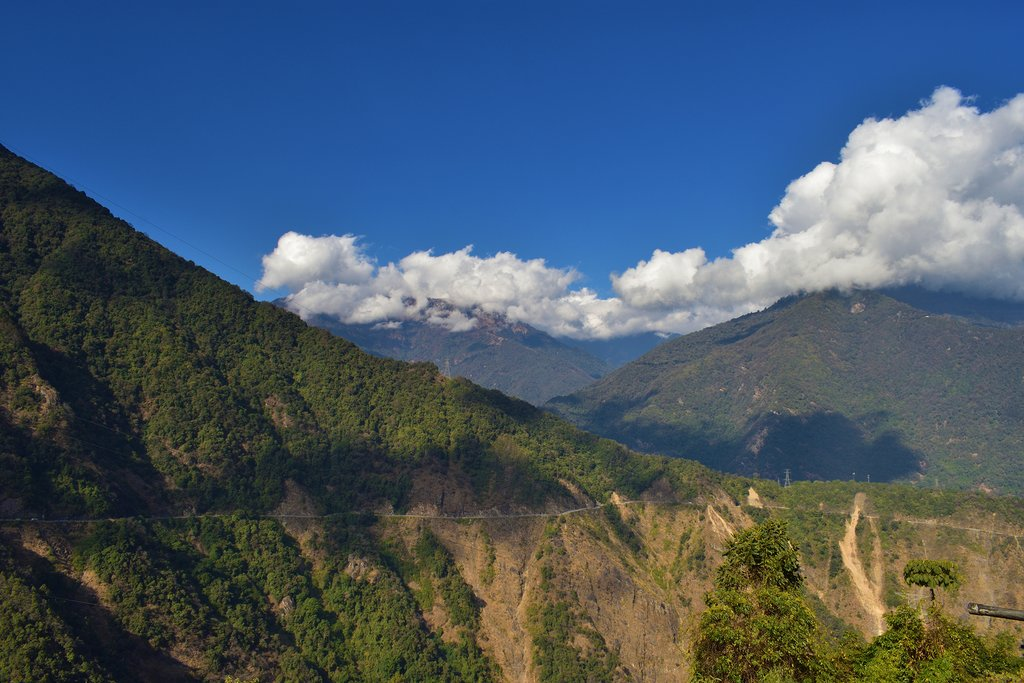 Views on the trek from Sharna Zampa to Thangthangka