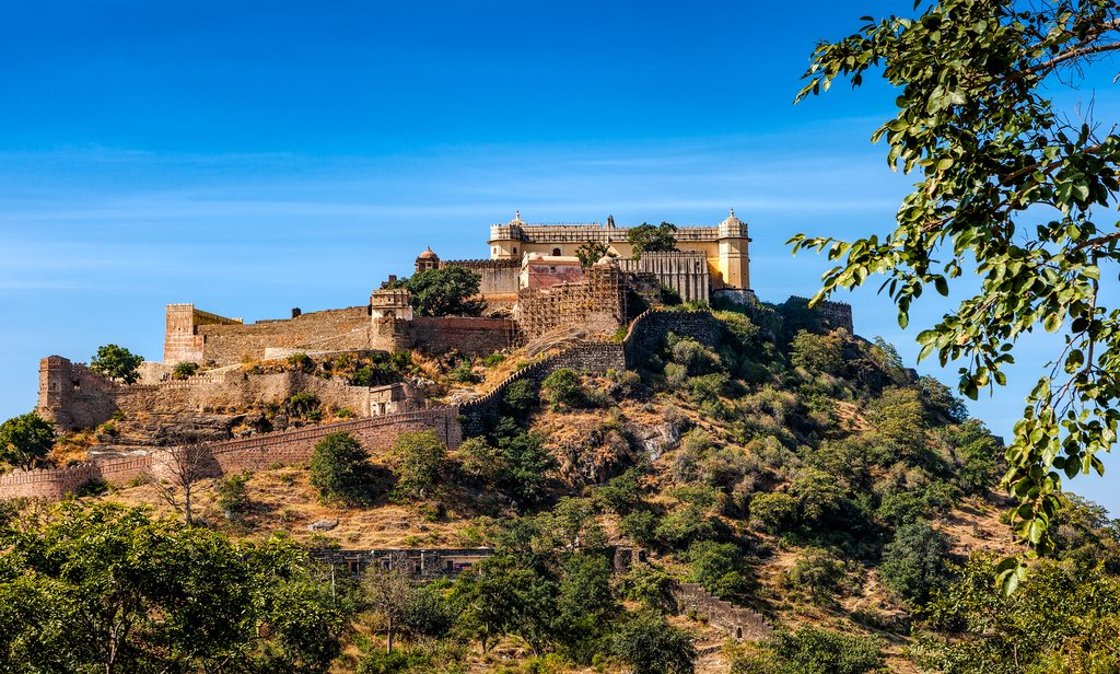 Stop to visit the 15th-century Kumbhalgarh Fort on the way to Ghanerao