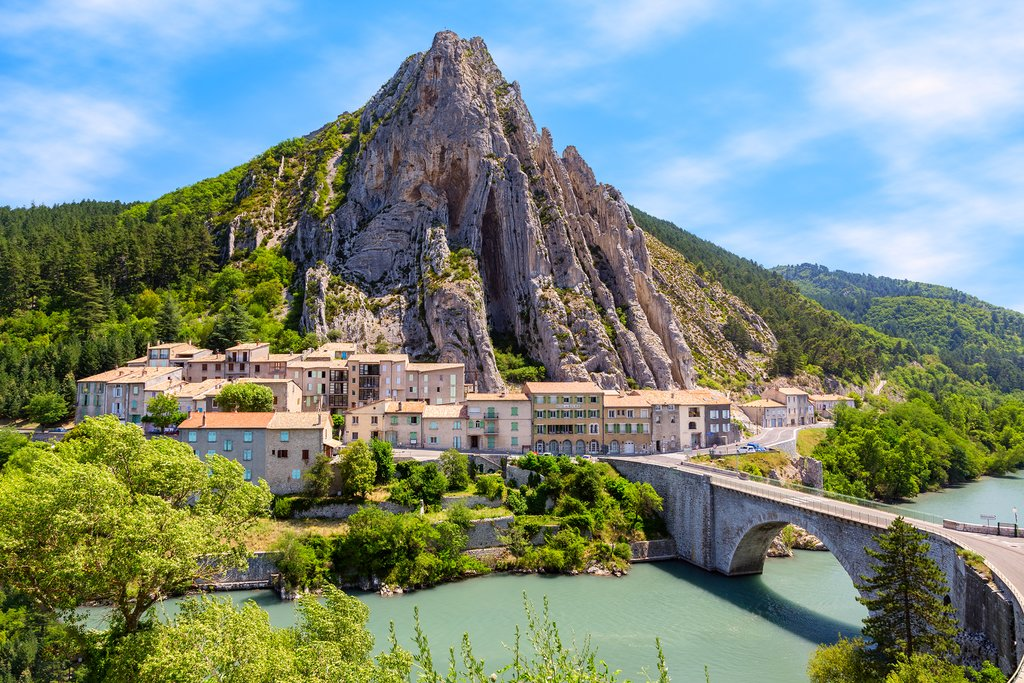 Visit the town of Sisteron