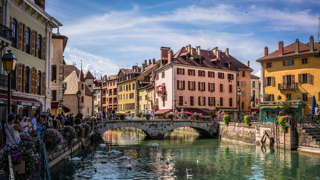 How to Get from Lyon to Annecy