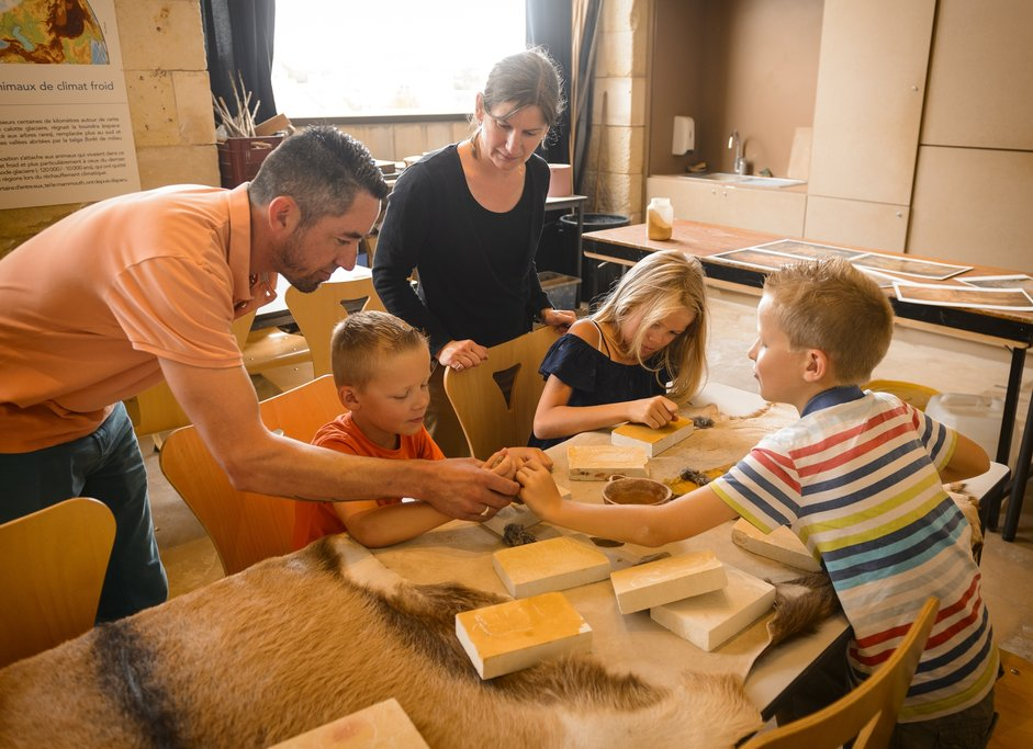 Kids workshop at Museum of Prehistory