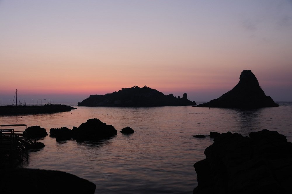 Aci Trezza islets