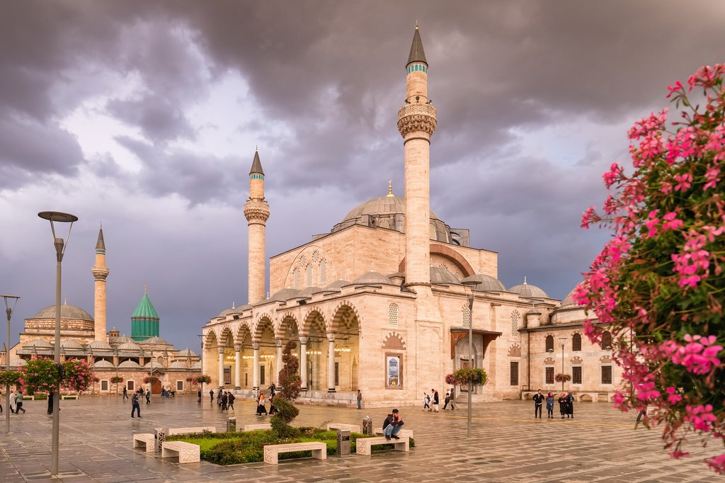 The Selimiye Mosque and Mevlana Museum in the background of Konya's central square