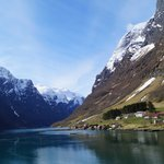 Round Trip Cruise in Nærøyfjord: Flåm to Gudvangen