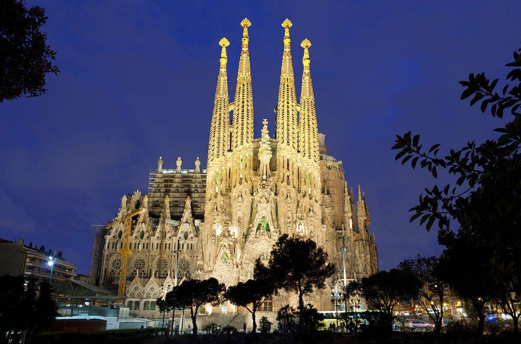 La Sagrada Familia  Cathedral outdoors