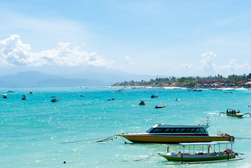 Cruise boats at Nusa Lembongan