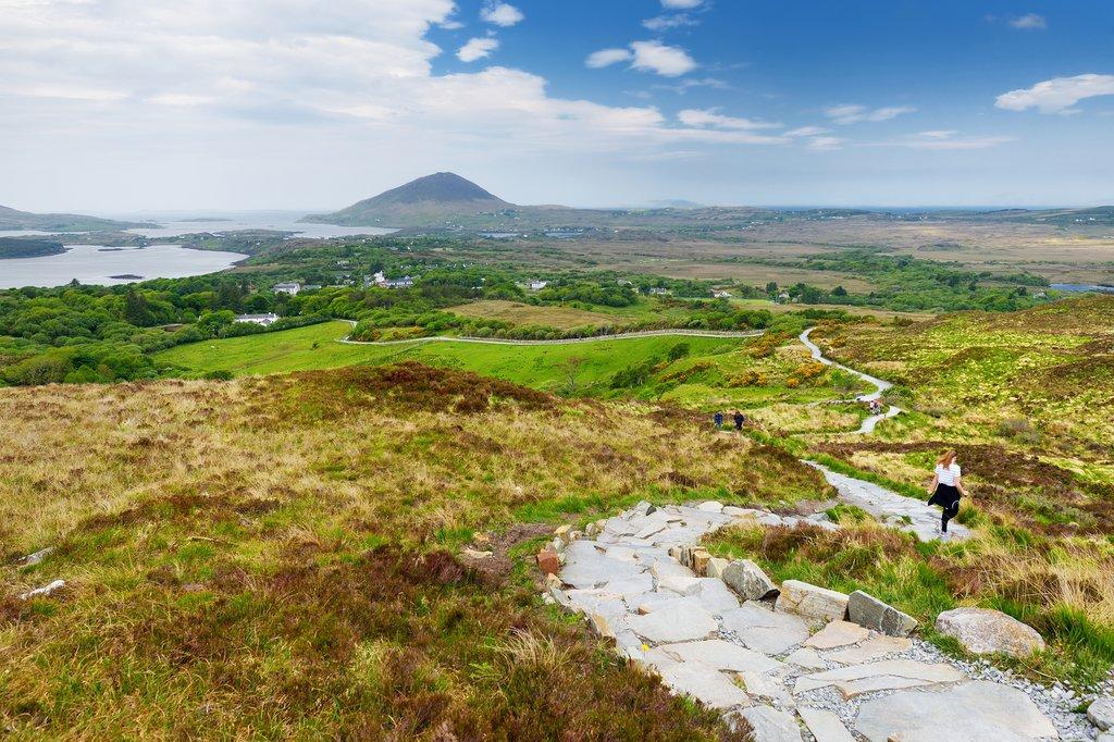 Hiking Diamond Head in Connemara National Park
