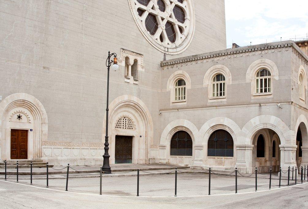 Triste synagogue