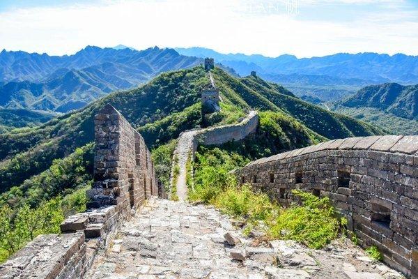 Jinshanling has dozens of watchtowers and unbeatable scenery