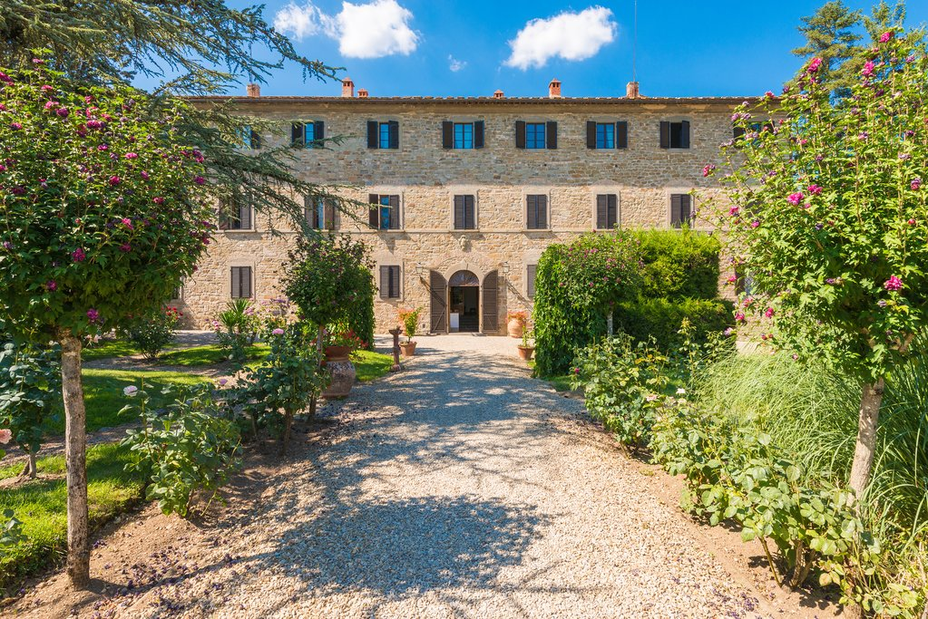 A Tuscan farmhouse transformed into a hotel