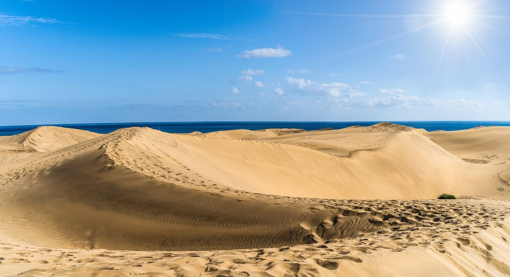 The Incredible Beachfront Sand Dunes of Maspalomas