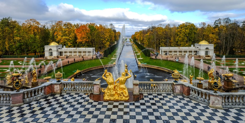 The sprawling Peterhof estate