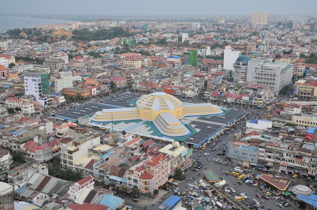 Aerial view of Phnom Penh and the Central Market