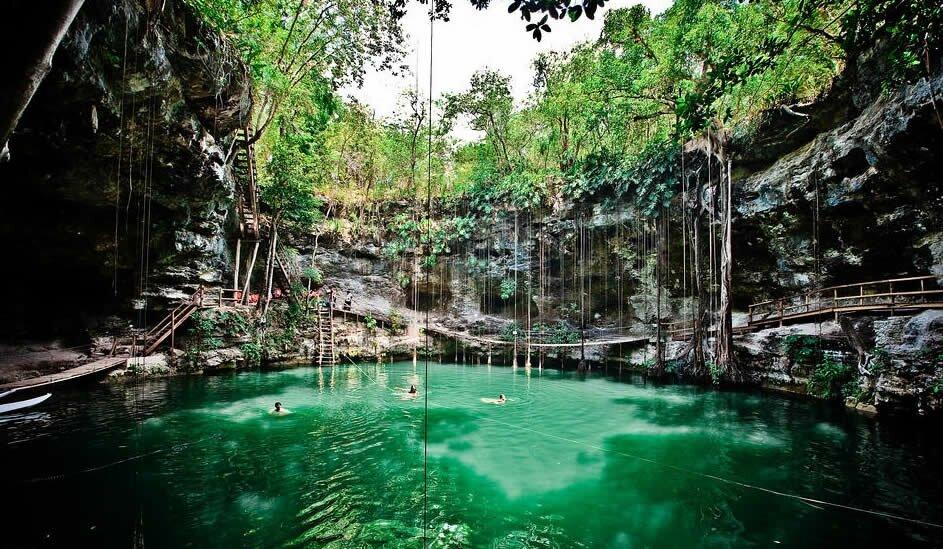 Yokdzonot Cenote