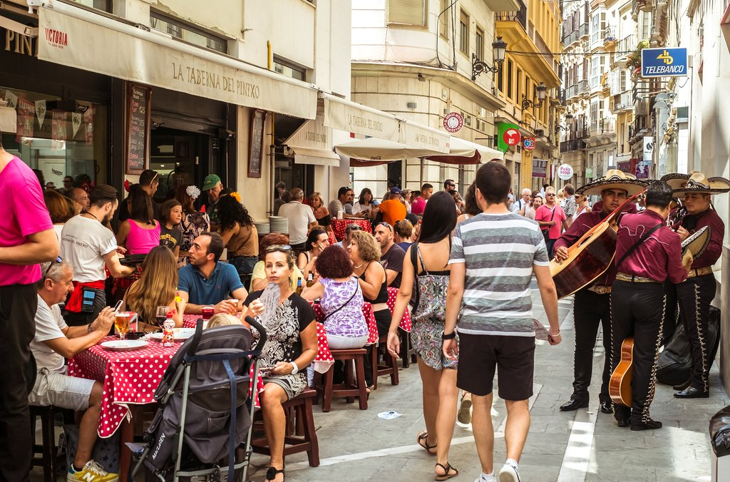 Stroll the streets of Málaga on a tour