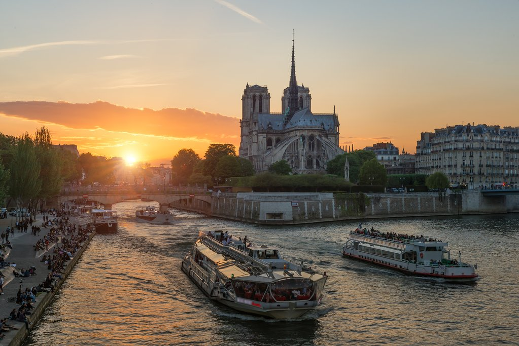 Enjoy a scenic cruise on the Seine