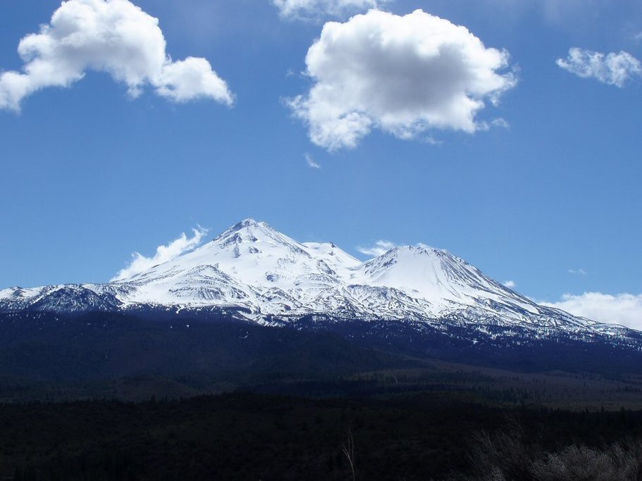 Mount Shasta from Yellow Butte (By Mary-Lynn, CC 2.0)