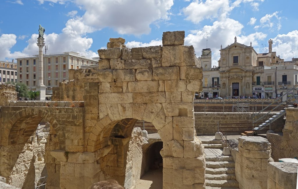 Roman Amphitheater and Piazza San Oronzo, Lecce