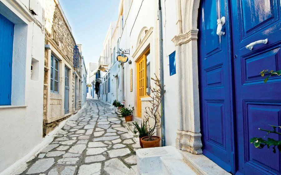 Charming streets of Tinos - Photo from Routes of Tinos