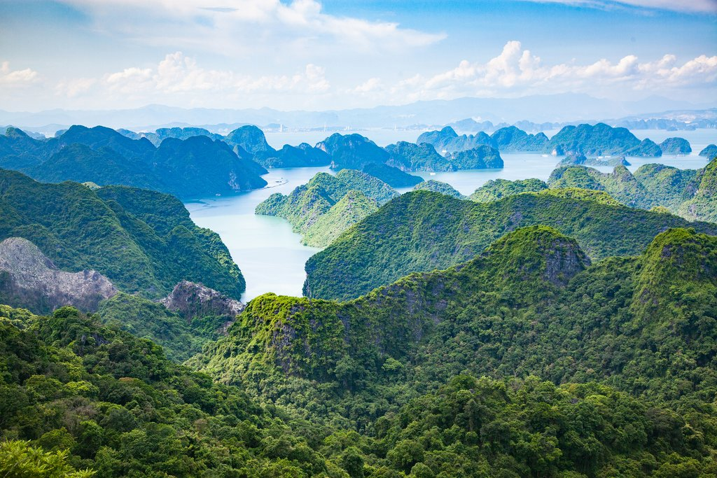 Vietname - Unesco-protected Ha Long Bay