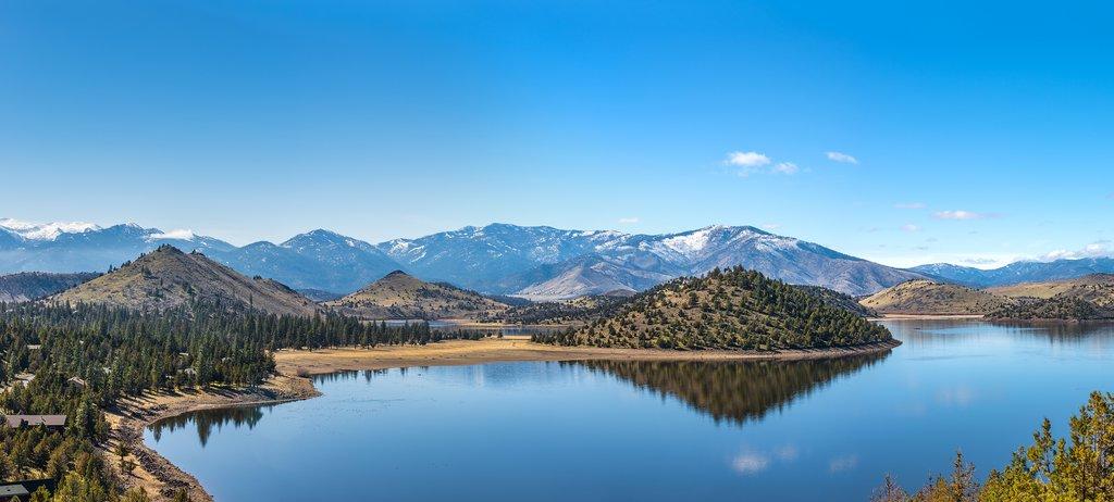 Panorama of Lake Shasta
