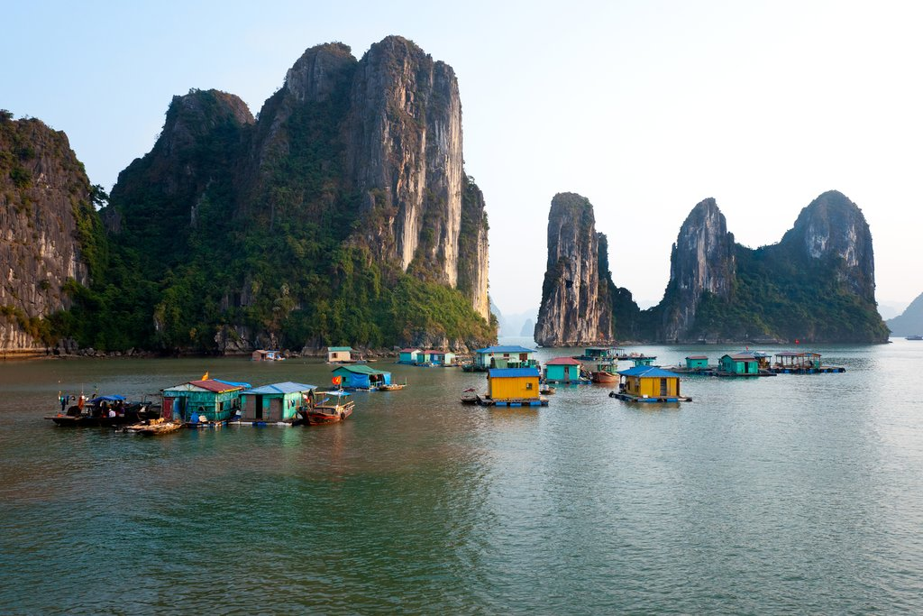 How to Get from Hoi An to Halong Bay